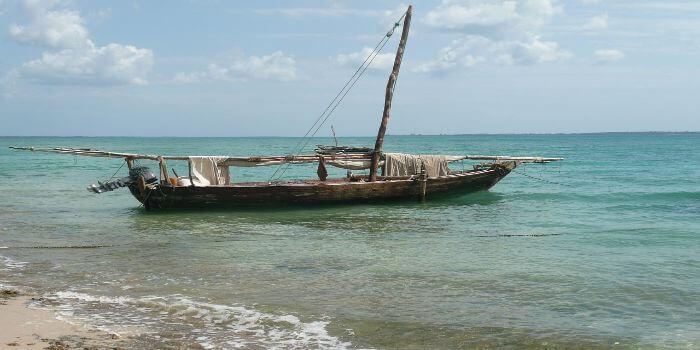 Bild von einem Dhow Boot am Meer