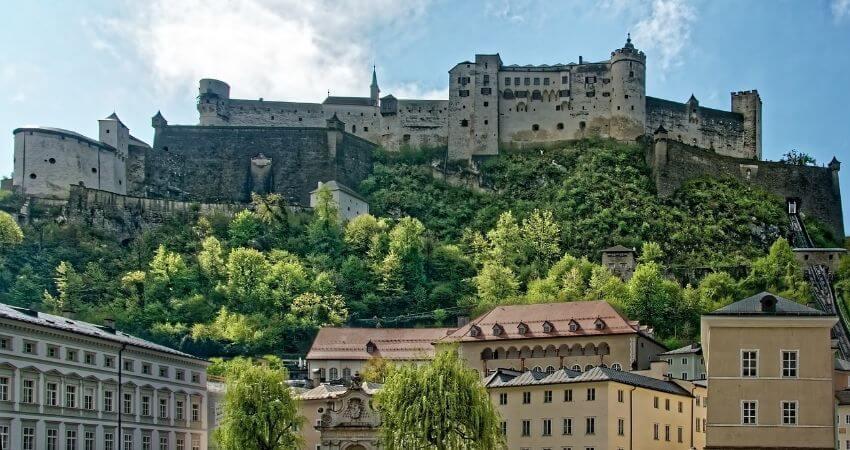 Fernansicht von der Festung Hohensalzburg.